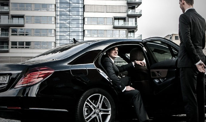 Limo from Weston to airport