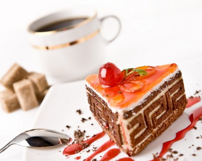 online eggless cake delivery in Ludhiana