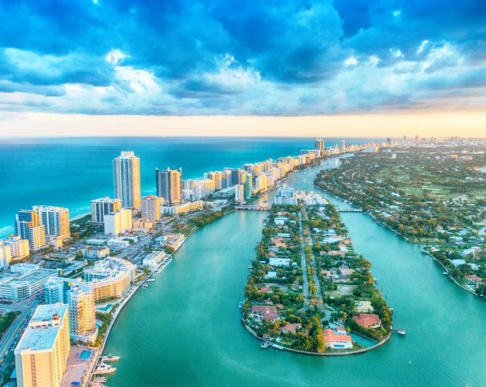 Miami-Beach_-best-cities-to-visit-in-the-USA
